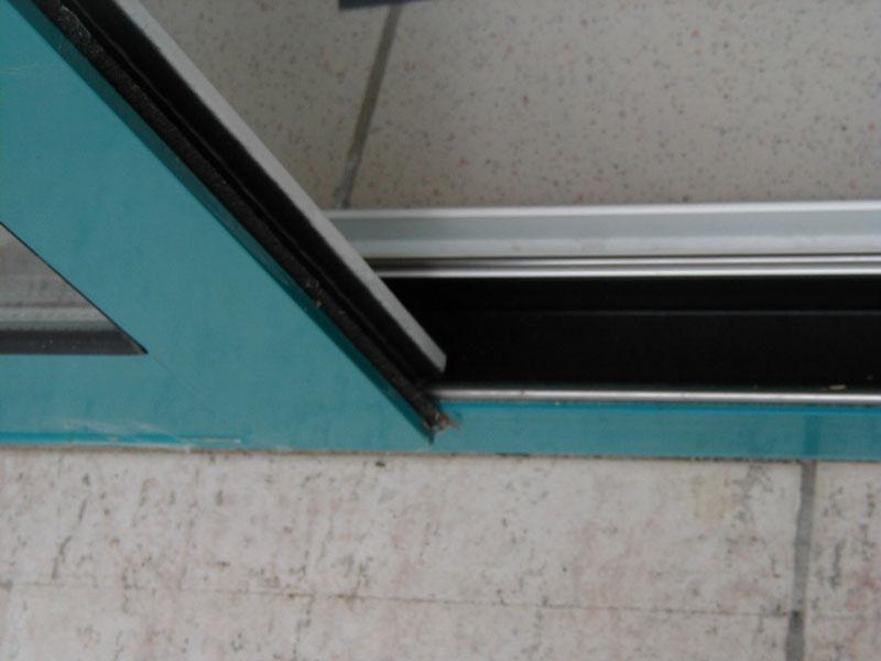 Fenetre alu lille hazebroucq fenetres pvc aluminium for Rail pour volet coulissant exterieur