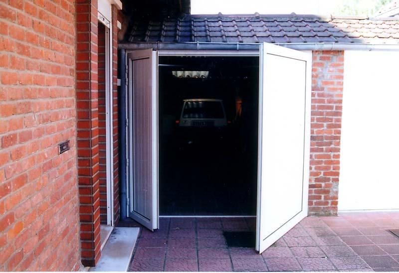 Nos r alisations de portes de garage for Porte battante interieur